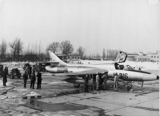 Brandstof lekkage bij Hawker Hunter N-316